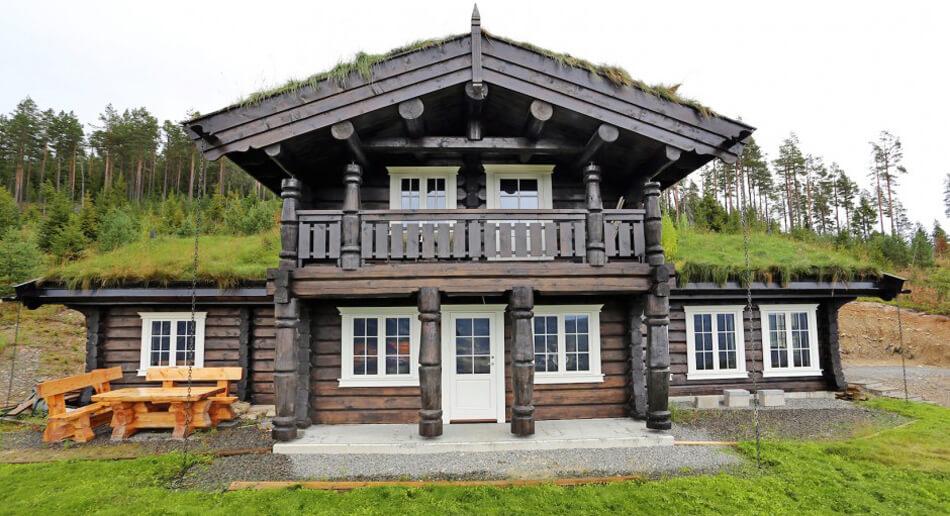 Норвежская рубка земляная кровля.